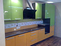 Кухня с крашенными фасадами под заказ