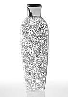 Ваза керамическая глянцевая белая высокая с серебряным декором.