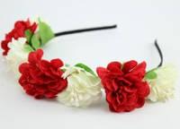Ободок с красно-белыми  цветами