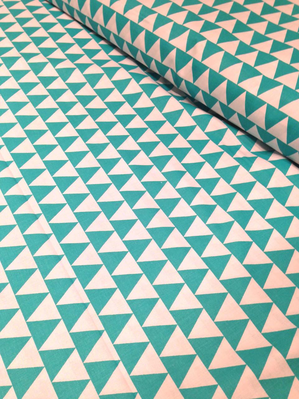 Хлопковая ткань польская треугольники зеленые № 214d