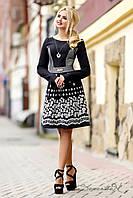 Осеннее черно-белое платье из трикотажного жаккарда и ярким принтом, юбка клеш, длинный рукав 44