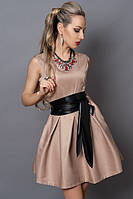 Элегантное женское платье в бежевом цвете кожаный пояс на талии