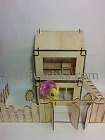 Двухэтажный кукольный домик-конструктор с забором, воротами, деревьями (конструктор из дерева)
