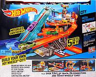 Трек Хот Вилс Эксклюзив моторизированная гоночная трасса Hot Wheels City Mega Metropolis Motorized Race Track, фото 1
