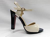 Бежевые лаковые босоножки на устойчивом каблуке .Лабутены., фото 1