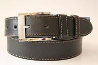Ремень кожаный класический 40 мм черный прошитый коричневой ниткой пряжка матовая