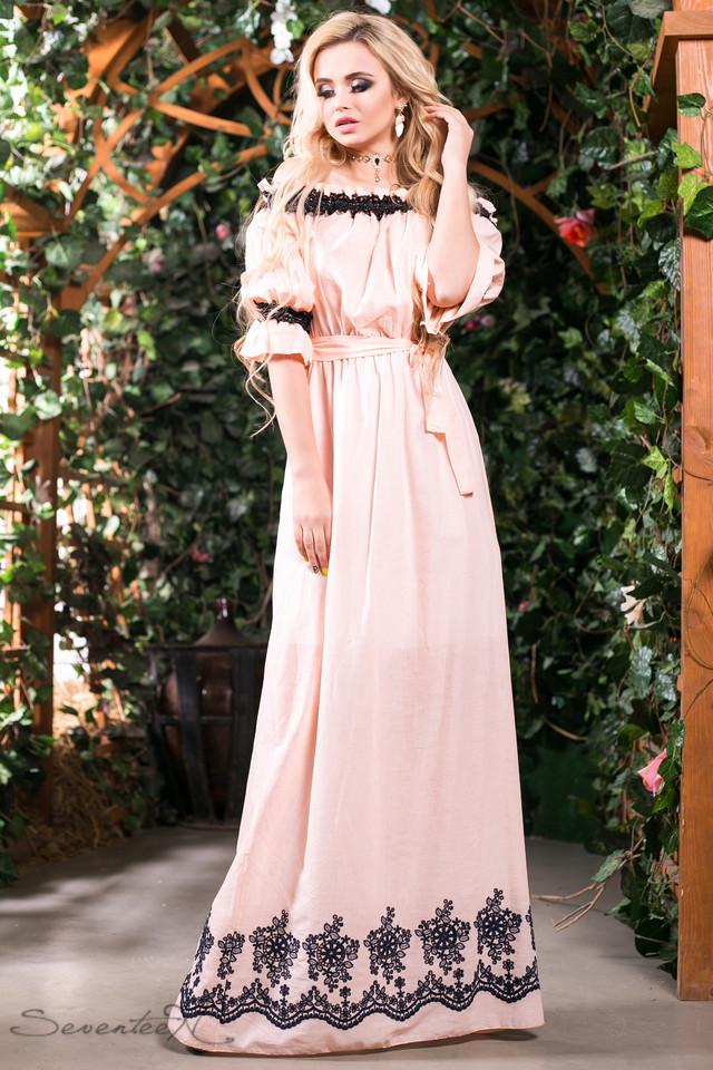 60fbcc50c4c Летнее длинное платье сарафан из батиста с вышивкой с открытыми плечами под  пояс 42-52 размеры