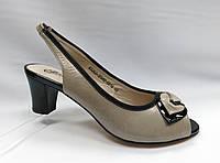 Босоножки кожаные бежевые на устойчивом каблуке Geronea, фото 1