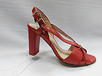 Коралловые кожаные босоножки на устойчивом каблуке Geronea, фото 1