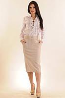 Костюм-двойка, белая рубашка на шнуровке и зауженная юбка с широким поясом и карманами, 42-52 размеры