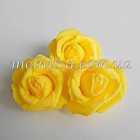 Роза из латекса, цвет желтый,  3,5-4 см