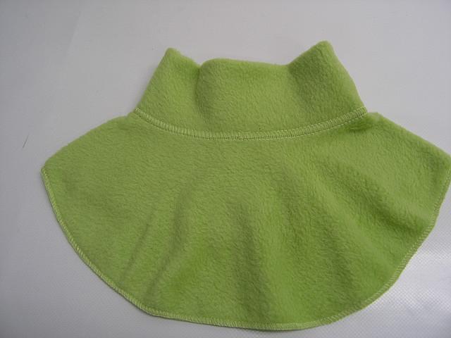 Манишка флисовая светло зеленая