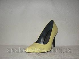 Туфли-лодочки женские стильные из натуральной лаковой кожи желтого цвета, фото 2