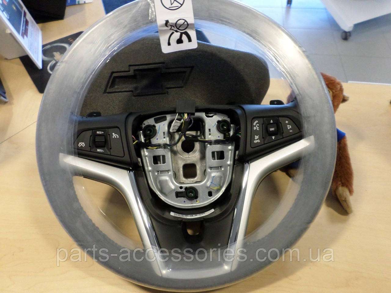 Руль кожаный Chevrolet Camaro 2012-15 автомат новый оригинальный
