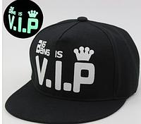 Cветящаяся черная кепка VIP