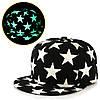 Cветящаяся черная кепка с звездами