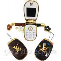 Маленький телефон-раскладушка mini Louis Vuitton m 9 на 1 SIM луи витон телефон-брелок