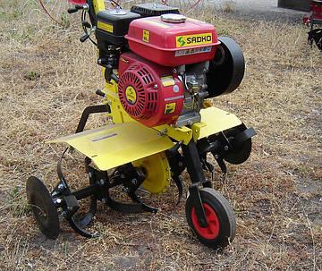 Sadko T-9057 (5,7 к.с., Болгарія) бензиновий культиватор