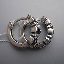 Оригинальные серебряные серьги со вставками из прямоугольных и круглых фианитов, фото 3