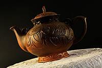 Большой чайник из красной глины
