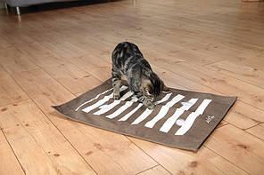 Trixie TX-46005 - ігровий шарудить килимок для кішок з отворами для ласощів