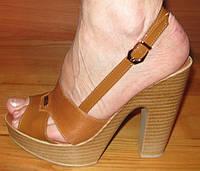 Женские молодежные босоножки на каблуке кожаные модель Л2Ж2.