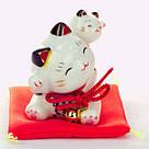 Манеки-неко «Котёнок на спине у кошки», фото 2