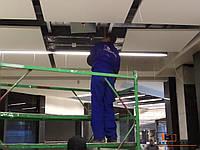 Установка алюминиевых подвесных потолков