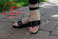 Женские сандалии силиконовые на тракторной подошве черные