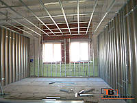 Монтаж потолка - металлических панелей