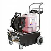 Отличительной особенностью машины IdroFoamRinse FOOD 200  является то, что ее можно использовать в санитарных