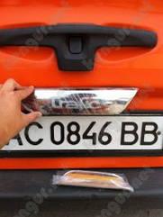 Накладка на крышку багажника Renault Trafic