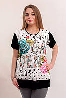 Черно белая футболка с разноцветными розами
