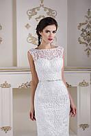 Элегантное свадебное платье русалка украшенное изысканными узорами