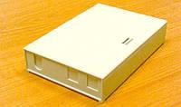 Оптический настенный мини-бокс 4SC/FC, 152х105х32мм, на 4...8...12 волокон, класс FTTH, пластиковый