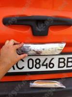 Хром накладка на крышку багажника Opel Vivaro