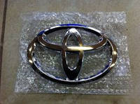 """Эмблема передняя """"Toyota"""" Toyota Camry 40"""