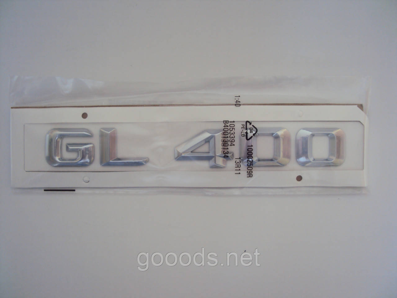 Надпись «GL 400» на Mercedes-Benz, пластик
