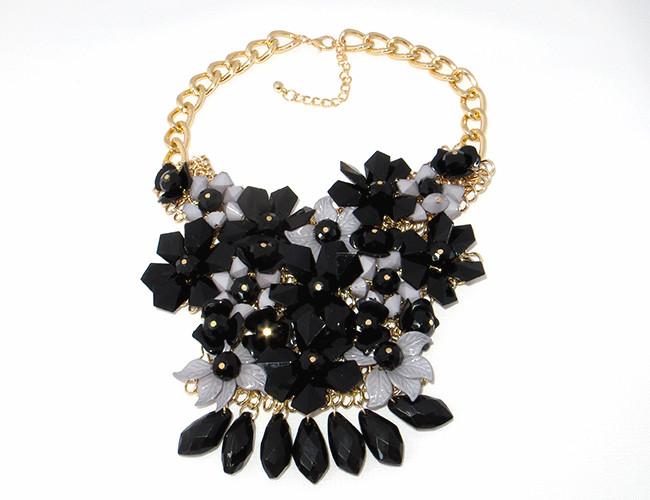 Колье цветы, черные кристаллы