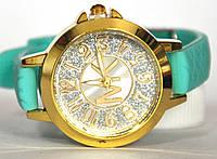 Часы на резиновом ремешке 00425