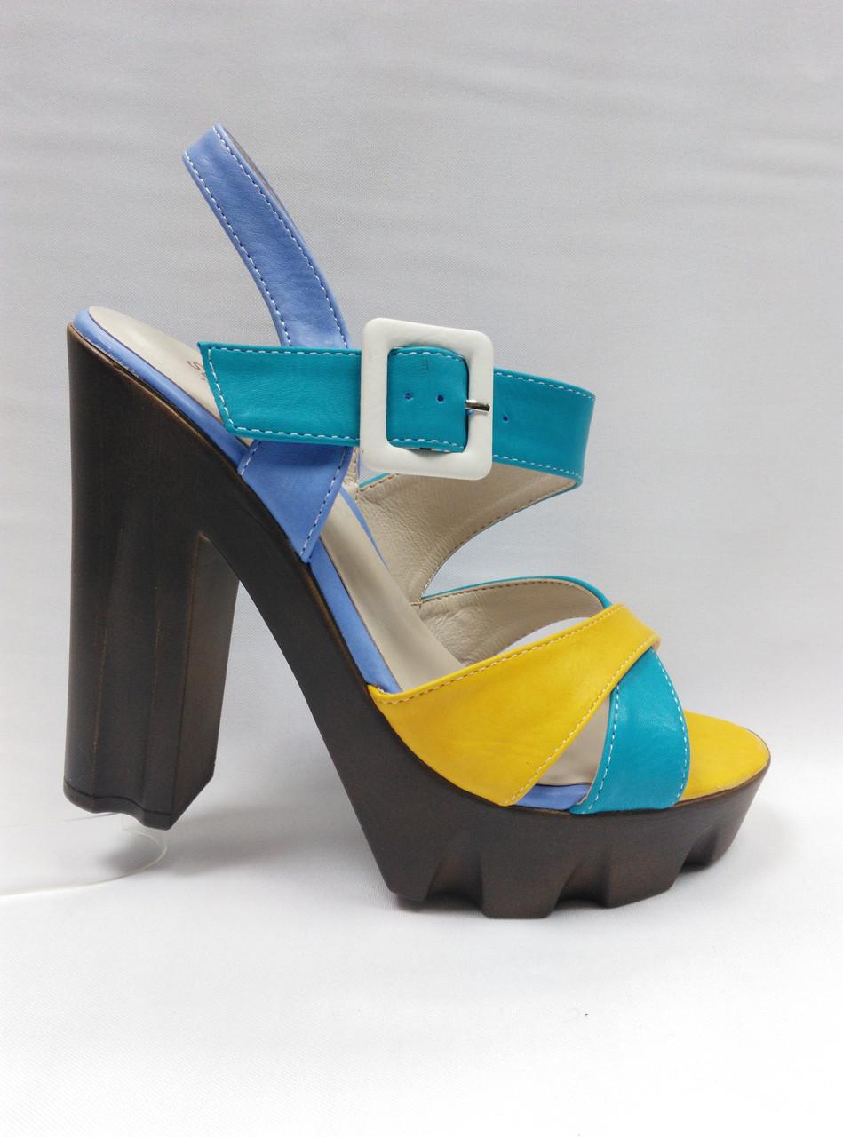 Цветные босоножки на устойчивом каблуке и платформе. Маленькие и стандартные размеры.