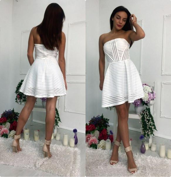 Шикарное платье с полосками сеточки