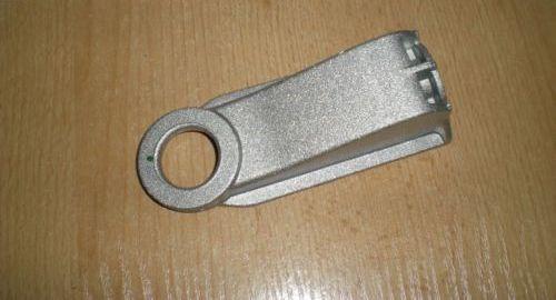 Кронштейн (крепление) радиатора к балке нижний OPEL VECTRA-C SIGNUM 6310600