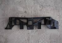 Направляющая (кронштейн , крепление , рейка, опора) переднего бампера центральная GM 1406637 1406728 13450164 13247325 OPEL ZAFIRA-B Opel 1406637