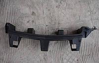 Направляющая (кронштейн , крепление , рейка, опора) переднего бампера центральная GM 1406637 1406728 13450164 13247325 OPEL ZAFIRA-B Opel 1406728