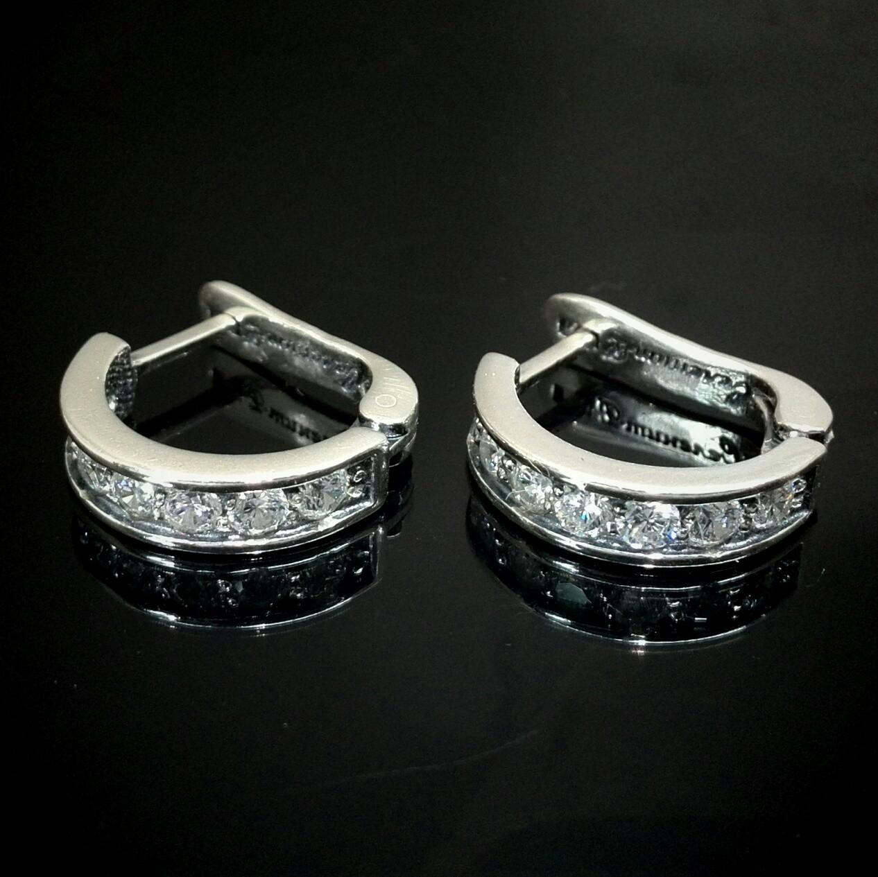 Срібні сережки з фіанітами, 14 каменів