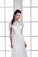 Очаровательное свадебное платье со спинкой на пуговичках