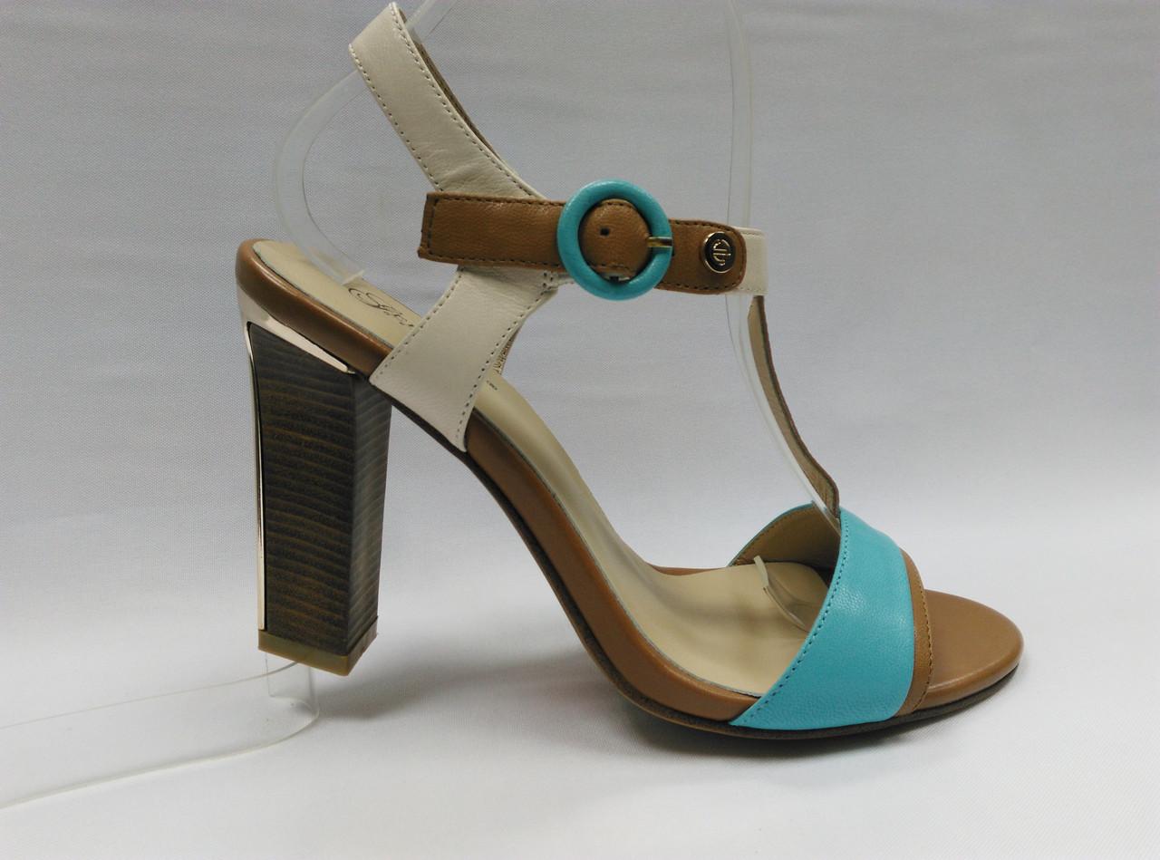Босоножки кожаные на устойчивом каблуке Geronea. 2 цвета ( оранжевые и голубые ).