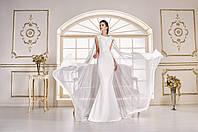 Воодушевлённое свадебное платье с крыльями
