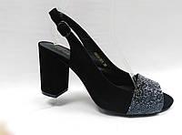 Черные замшевые босоножки Lanzoni. Открытый носик. Невысокий каблук.